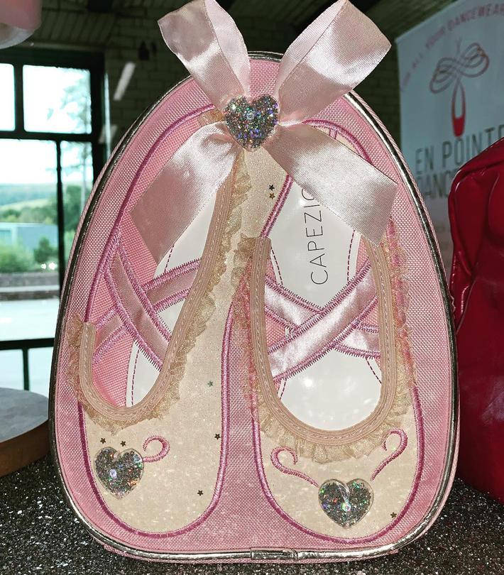 En Pointe Dancewear ballet shoes
