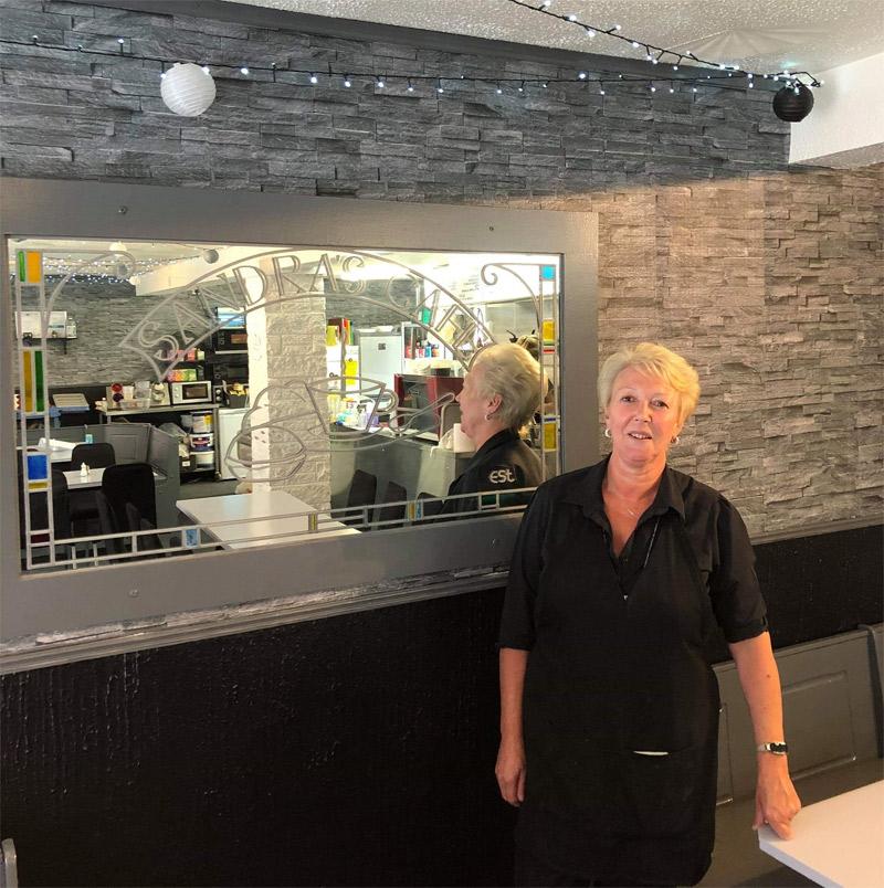 Sandras Cafe Alexandria meet Sandra