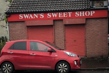 Swans-SweetShop-Outside